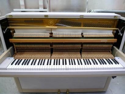 ピアノ弱音器取り付け完了